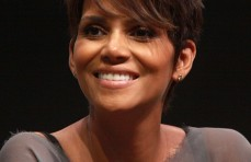 Halle Berry Wins Her Natural Hair Day In Court For Daughter