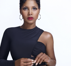 Toni_Braxton press photo 2015